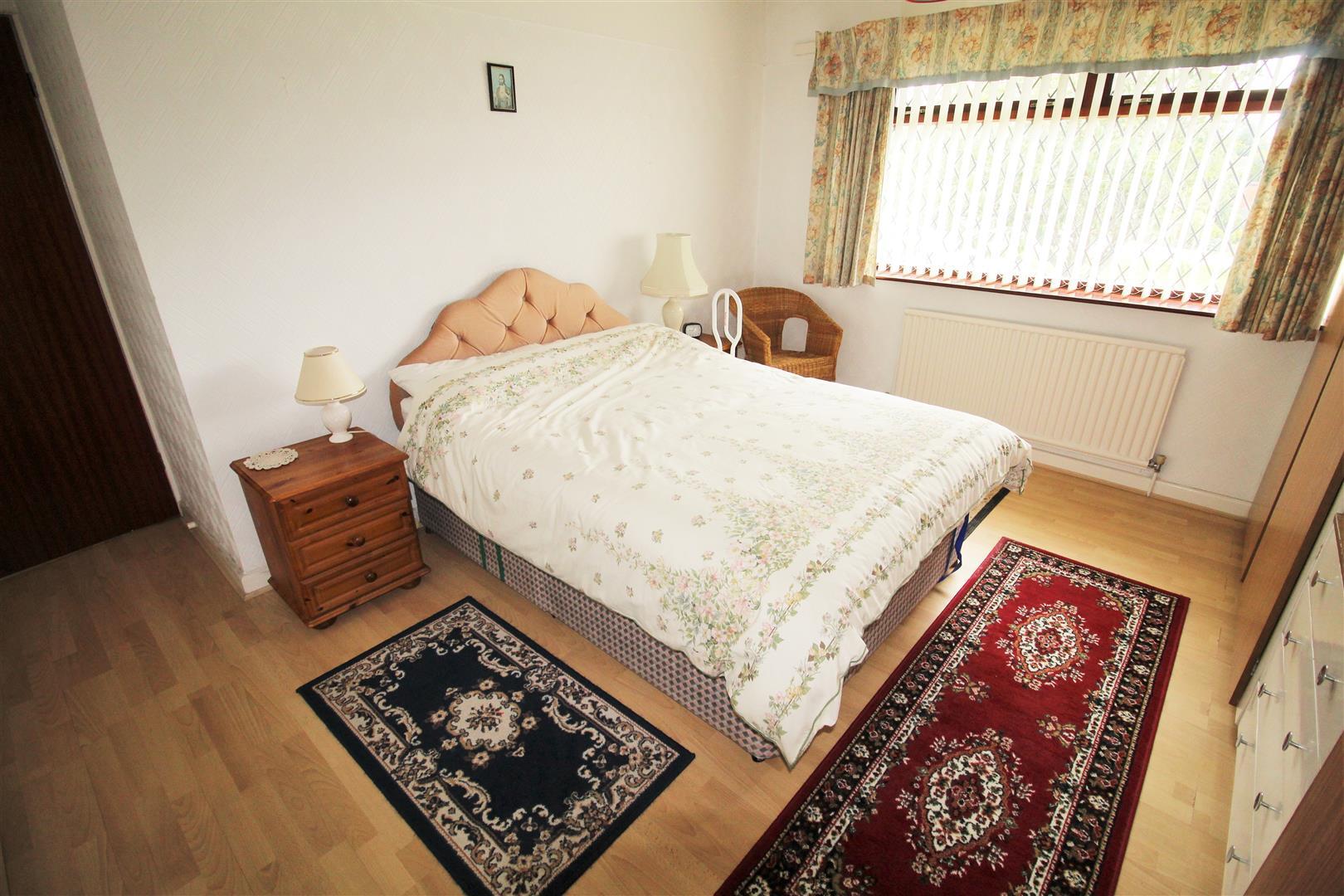 3 Bedrooms, House - Semi-Detached, Aintree Lane, Liverpool